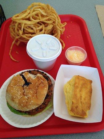 Arnold's Restaurant: Veggie burger, veggie chili, cornbread, onion rings