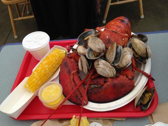 Arnold's Restaurant: 3 pound lobster, clams, corn