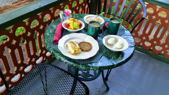The Queen Victoria : Breakfast