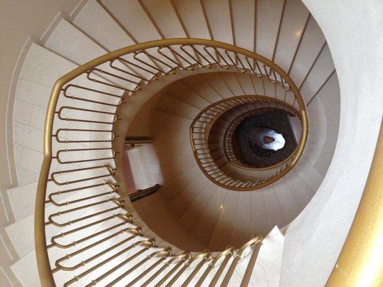 Hotel Villa Campomaggio Resort & Spa : Stairway