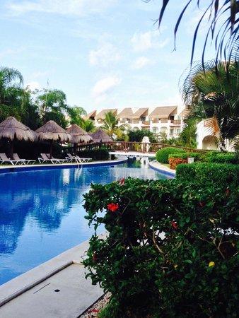 Valentin Imperial Maya : Lazy river pool