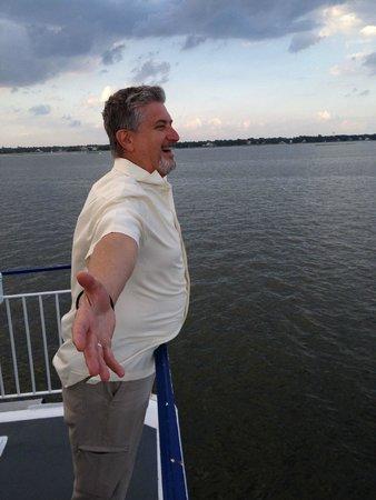 Spiritline Dinner Cruises: King of the World