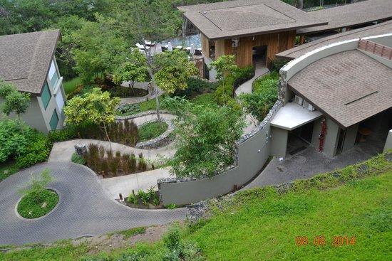 Andaz Peninsula Papagayo Resort: The grounds
