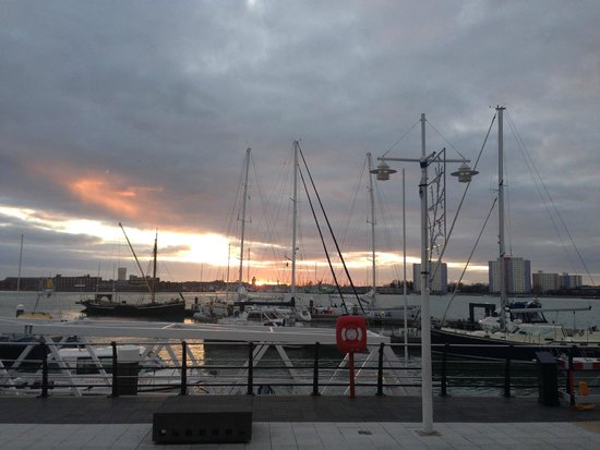 Gunwharf Quays: Sunset over the harbour