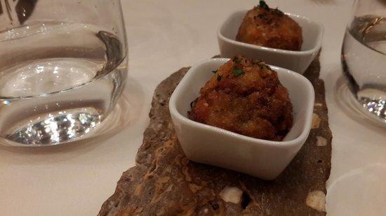 Sibaris: Albondigas de molleja y morcilla en salsa de pimientos