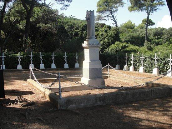 Île Sainte-Marguerite: Gräber gestorbener Verwundeter, während des Krimkrieges (war Lazareth)