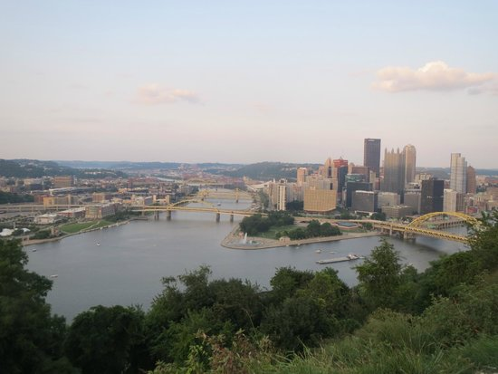 Holiday Inn Express Hotel & Suites West Mifflin : view from Mt Washington nearby attraction
