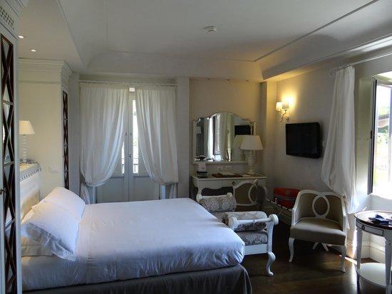 Hotel Villa Athena: La chambre