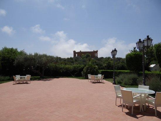 Hotel Villa Athena: Vue sur le Temple