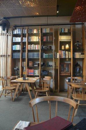 Khaima Restaurant: really nice interior!