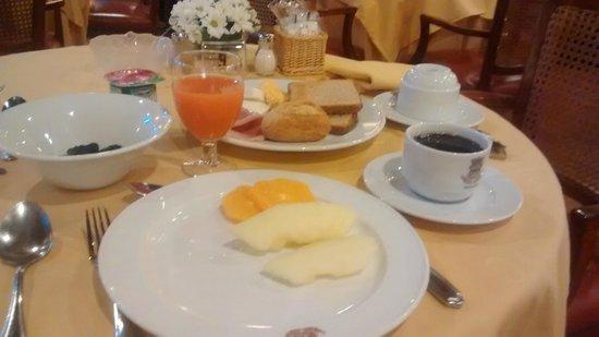 Colon Hotel: Café da manhã delicioso
