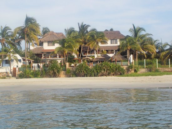 Casa de Mita: A view of the hotel from the water