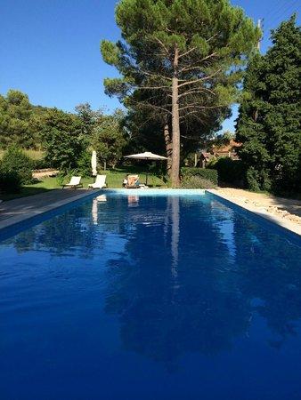 Aux Terres Rouges : piscine