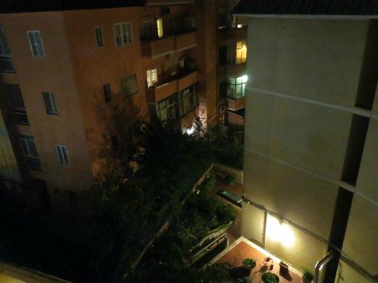 هوتل دوموس أوريليا: Вид из окна