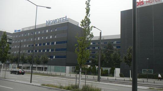 Novotel Zurich City-West: со стороны Хардбрюкке (Zürich Hardbrücke)
