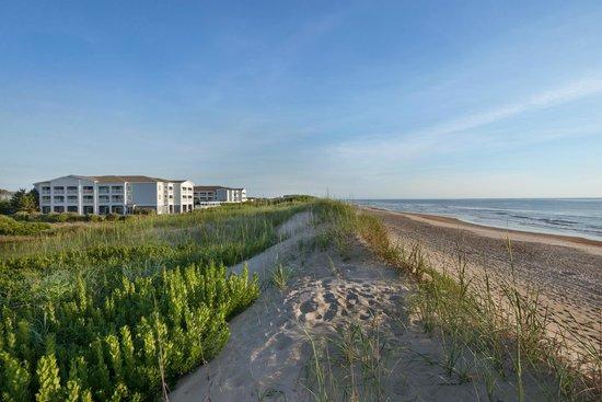 Hampton Inn & Suites Outer Banks / Corolla: Views of the Beach