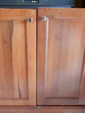 Grand Palladium Punta Cana Resort & Spa: Otra prueba de reciclaje, son trozos de otros muebles.