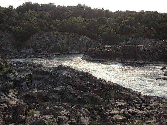 Great Falls Park: Вид 1 - река Потомак
