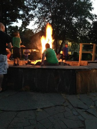 Pinegrove Family Dude Ranch: Bon Fire