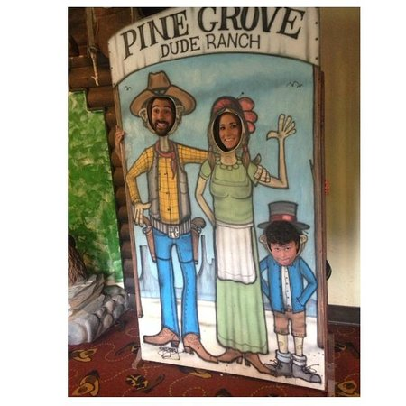 Pinegrove Family Dude Ranch: Some Lobby Fun