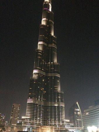 Burj Khalifa: Amazing at night.