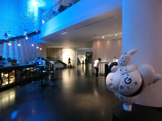 Pullman Bangkok Hotel G : Trendy lobby