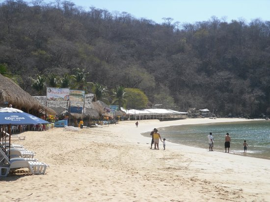 Hotel Villablanca Huatulco: One of the Bays