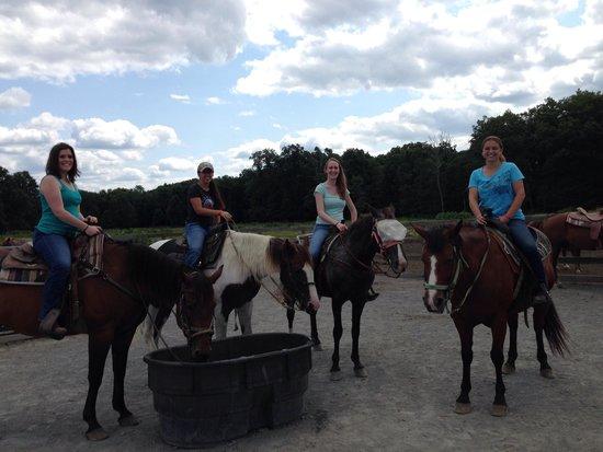 Malibu Dude Ranch: Girls ride out
