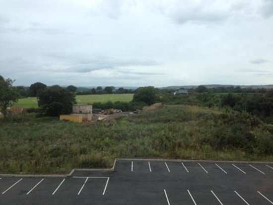 Hampton by Hilton Newport East: Good view from the room and No noise from the M4