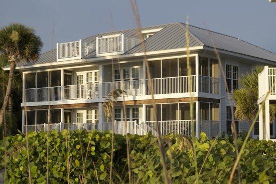 Palm Island Resort: building