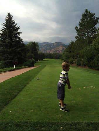 Broadmoor Golf Club Dining Room & Grill: 1st tee