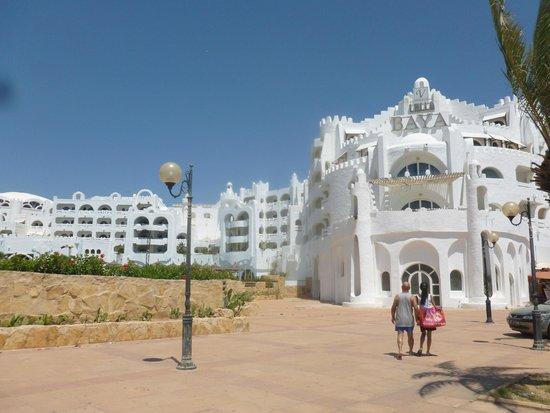 Lella Baya: Back Entrance of Hotel