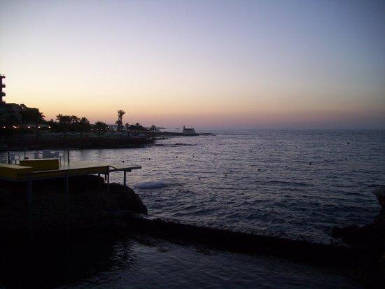 King Minos Palace Hotel : Am Strand/Sonnenuntergang