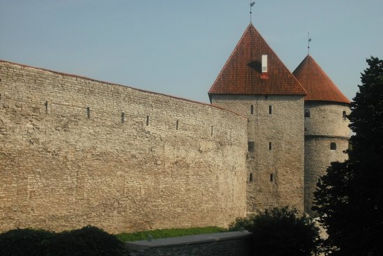 Tallinn Old Town: trip to the past !
