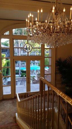 The Langham Huntington, Pasadena, Los Angeles : stairs to pool area