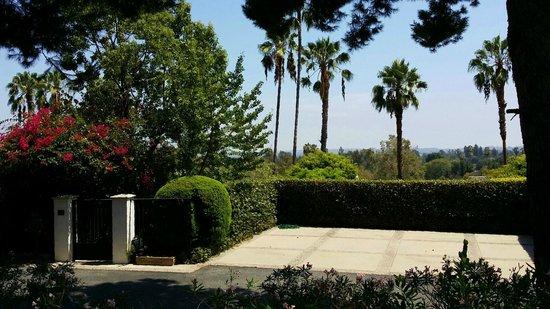 The Langham Huntington, Pasadena, Los Angeles : View from rear of property toward LA
