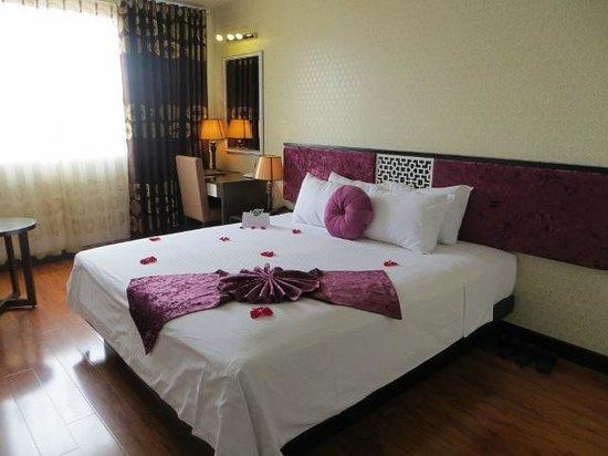 Golden Sun Suites Hotel: Habitación