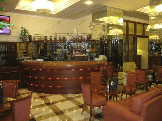 Best Western Premier Hotel Astoria: Lobby bar