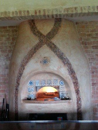 Restaurant at La Casa at Royal Isabela: The oven