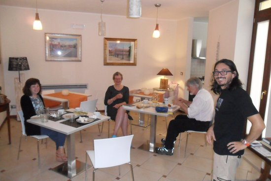 B&B 2 Terrazze: The inside dining area with our host.