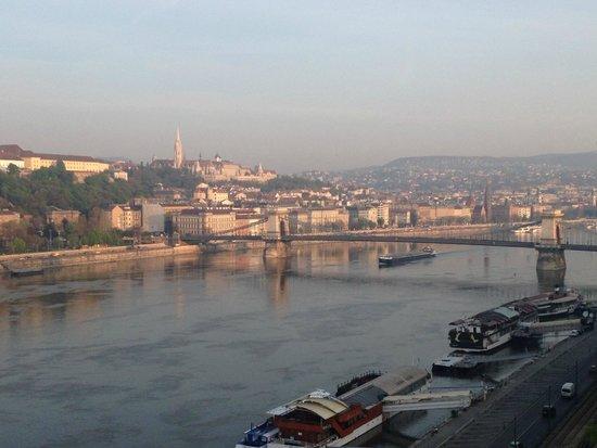 Budapest Marriott Hotel: El Danubio desde la habitación
