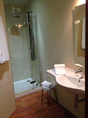Hotel Cervantes: bagno