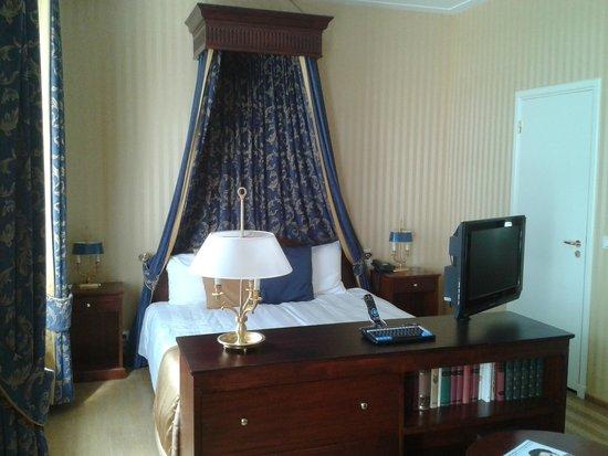 Grand Hotel Karel V Utrecht: Hotelkamer