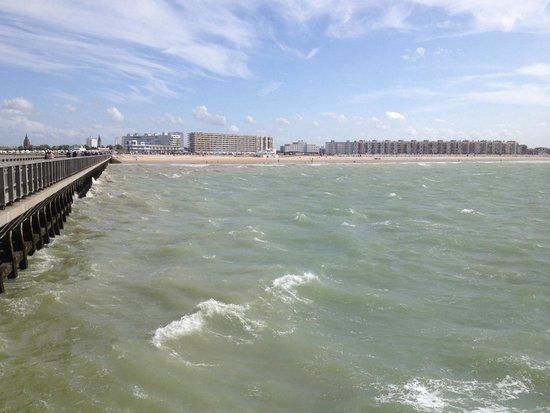 Calais Beach: Praia vista do pontão