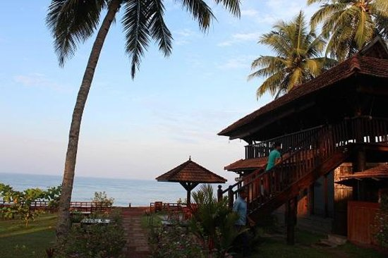 Blue Water Beach Resort : Dinning cabin