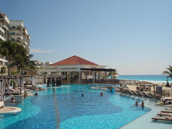 Hyatt Zilara Cancun: piscina