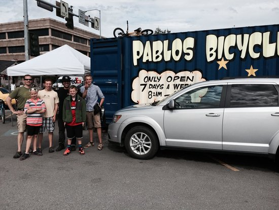 Pablo Bicycle Rentals: Gus Family with Pablo