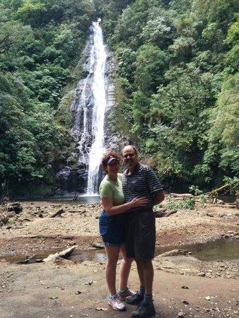 El Silencio Lodge & Spa: waterfall is worth the hike