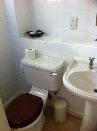 Miller Howe Hotel & Restaurant: Bathroom
