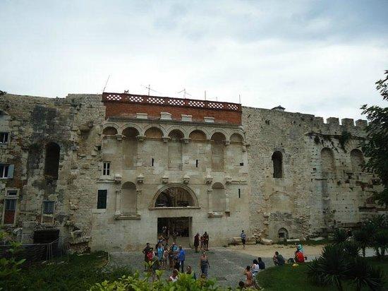 Palais de Dioclétien : Palace